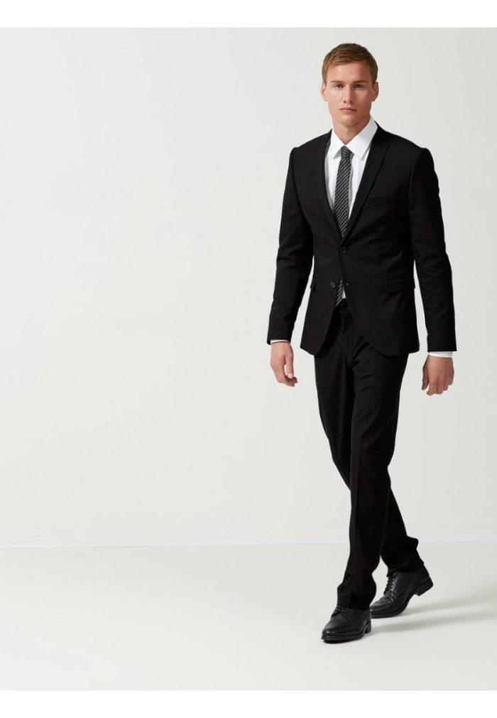 Модные черные костюмы весна-лето 2019