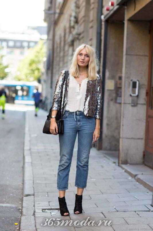 Модные джинсы в уличной моде весна-лето 2018