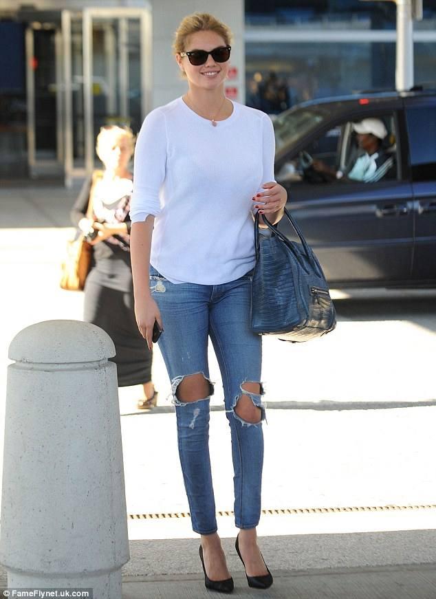 джинсы в уличной моде весна-лето 2020