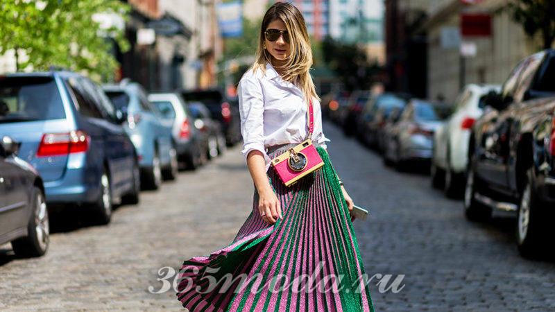 Модные аксессуары образов уличной моды весна-лето 2018