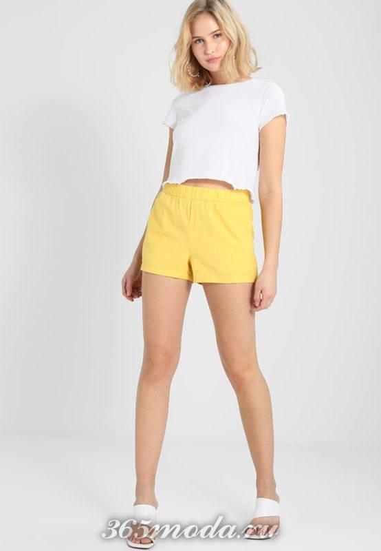 желтые короткие шорты весна-лето
