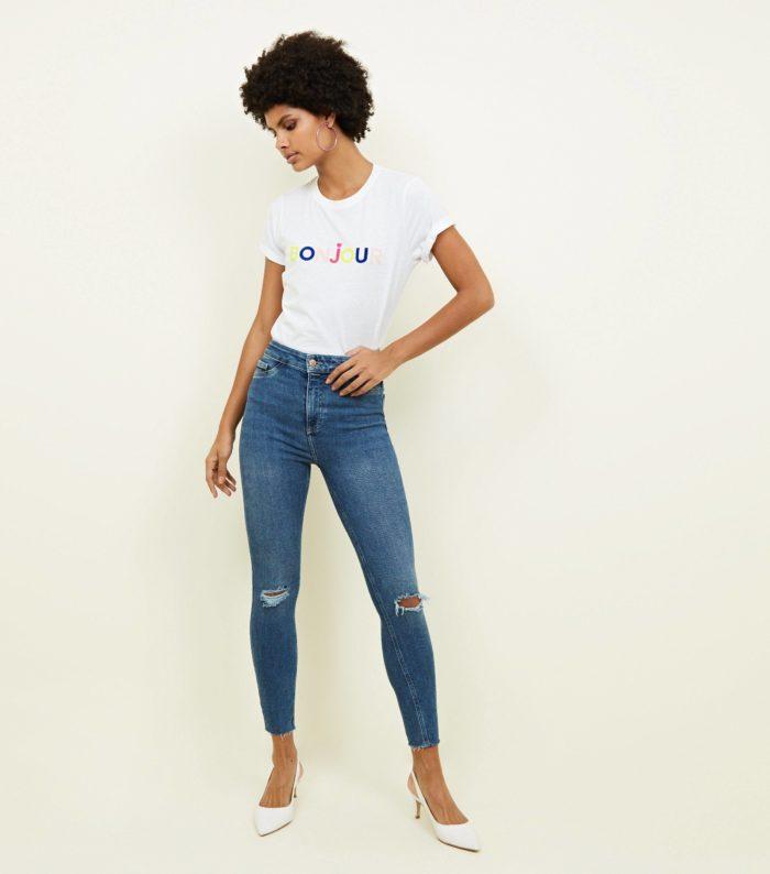 Модныеженскиерваные джинсы весна-лето 2019