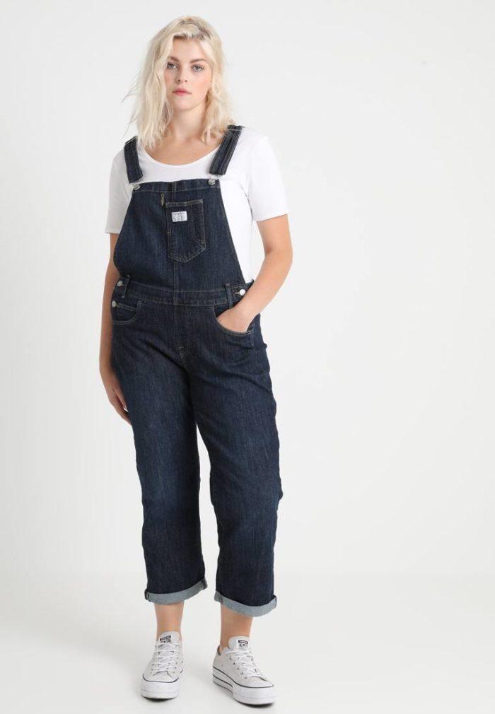 Модный женский джинсовый комбинезон весна-лето 2019