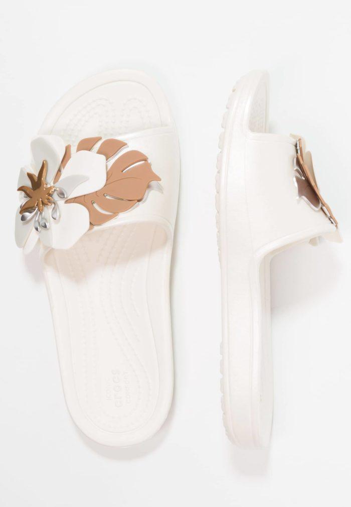 нежно-розовые сандали