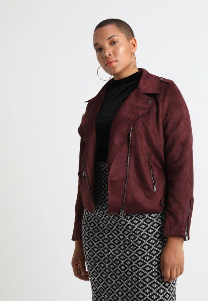 Бардовая куртка