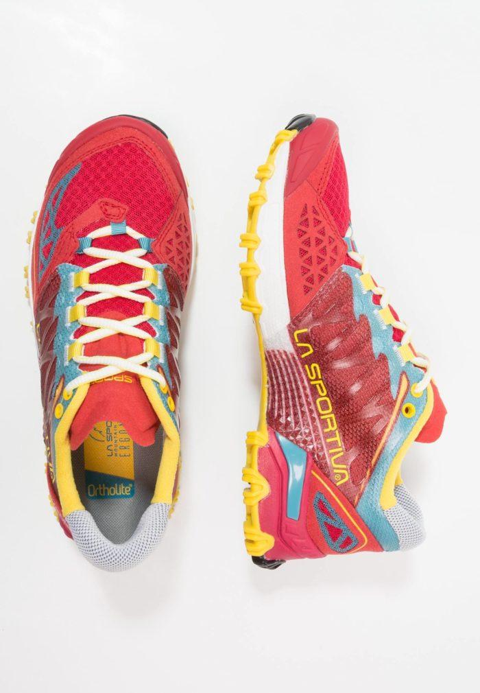 Цветные кроссовки женские