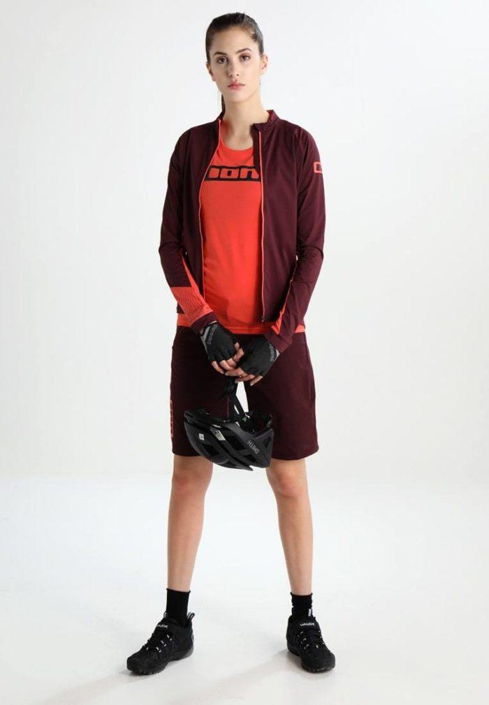 Женский спортивный костюм бардовый