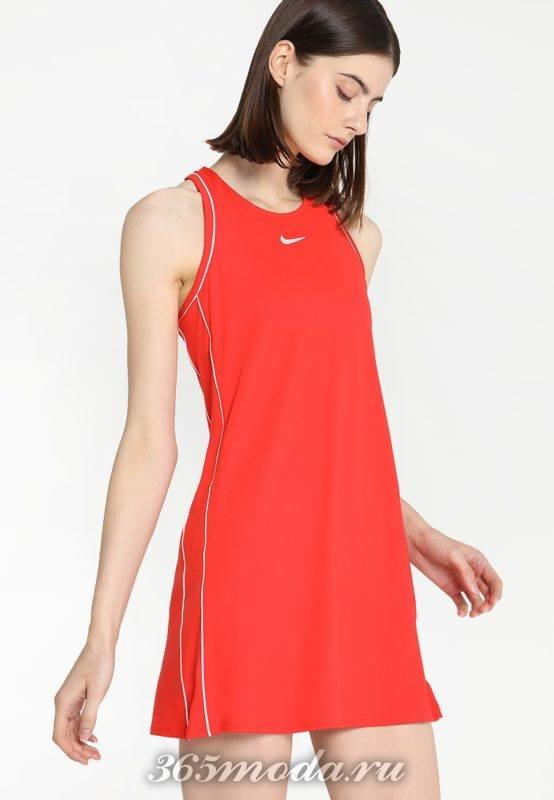 Спортивное платье красное