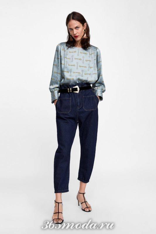Голубая блуза с принтом