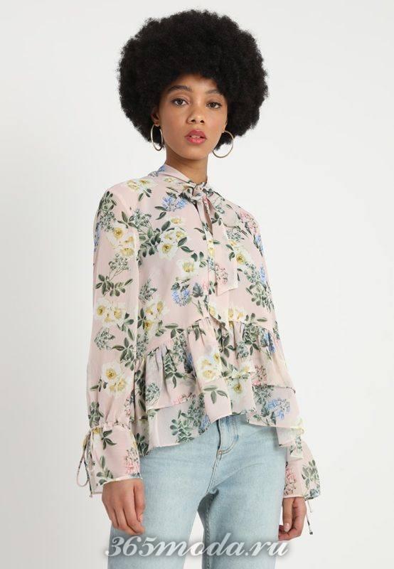 Цветочная блузка с бантом
