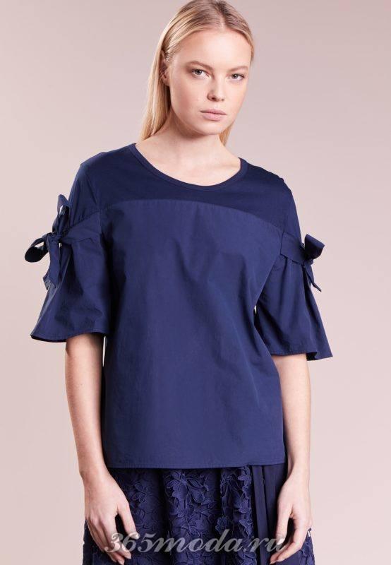 Синяя блузка с бантом