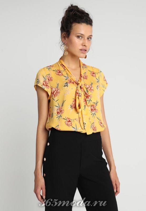Цветочная желтая блузка с бантом