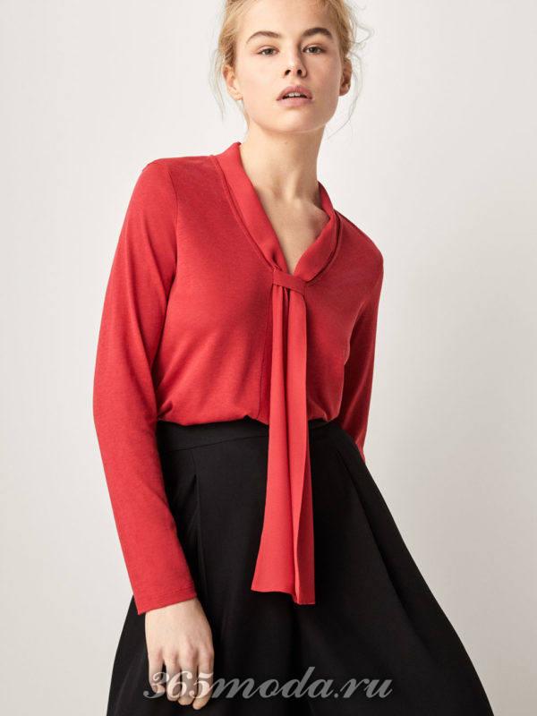 Рубашка красная с шарфиком