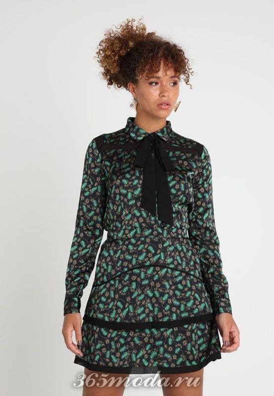 Зеленая рубашка с тесьмой на воротничке