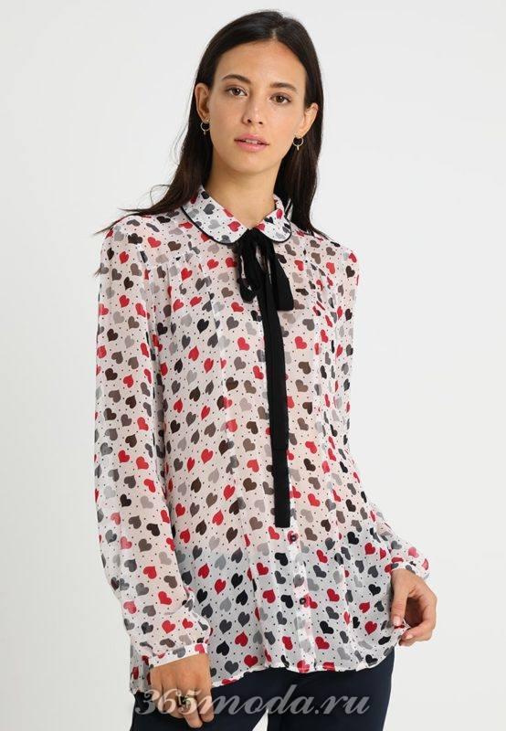 Цветная рубашка с тесьмой на воротничке