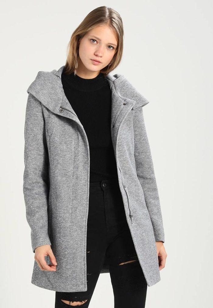 Пальто женское серое
