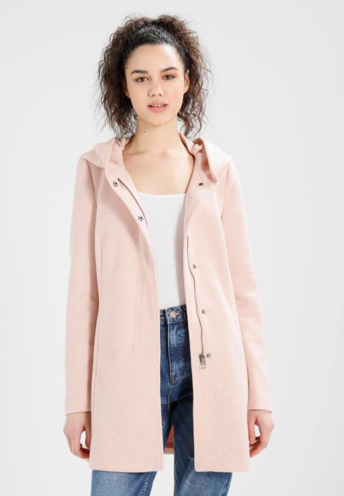 Пальто женское розовое
