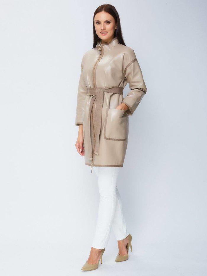 Кожаное женское пальто бежевое