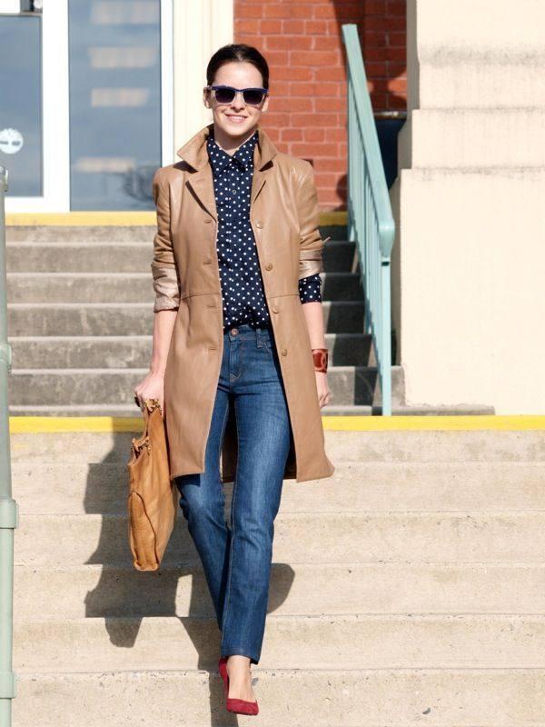 Кожаное женское пальто коричневое