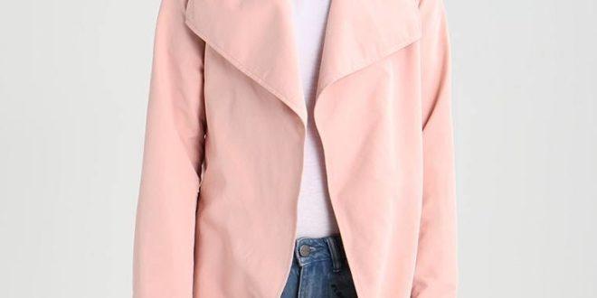 Модные плащи весна-лето 2020: новинки