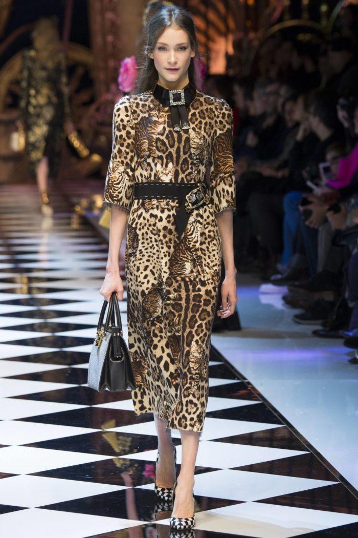 Модное платье с животным принтом
