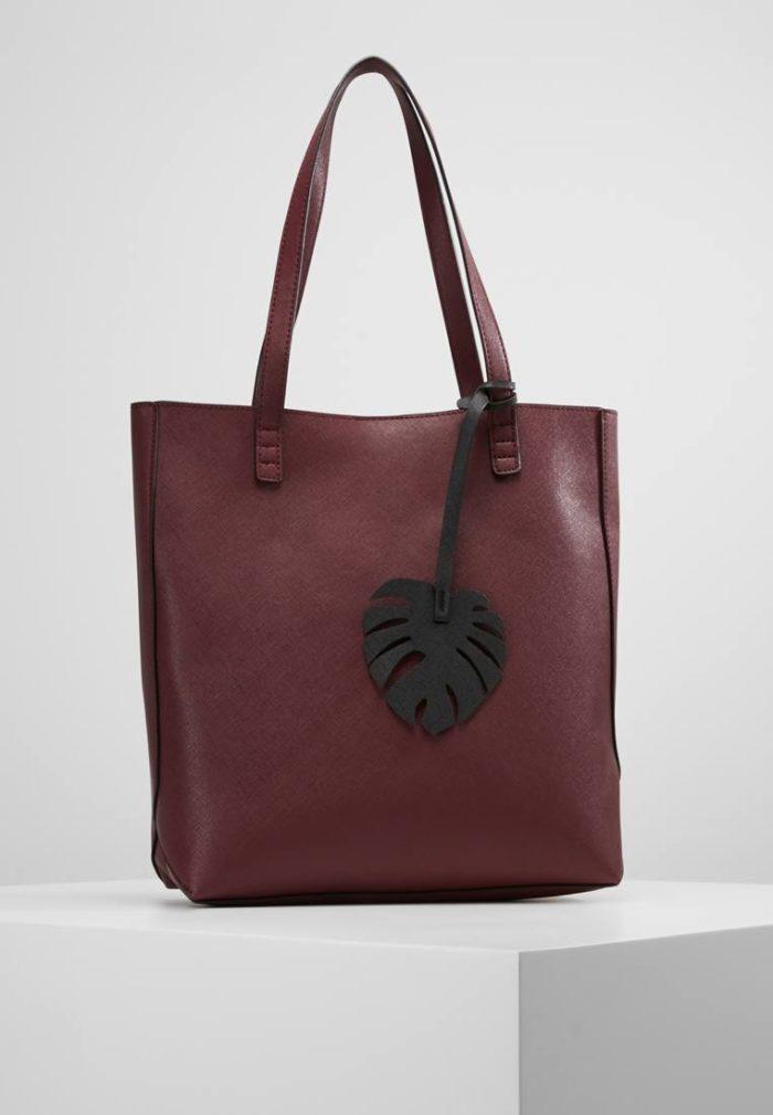 темно-бордовая классическая с листом
