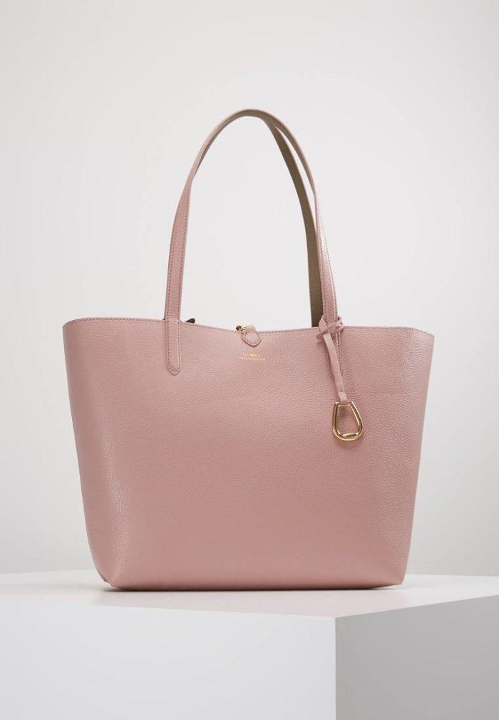 нежно-розовая классическая