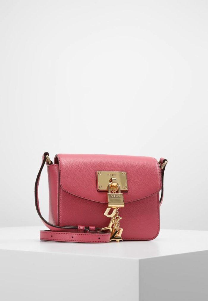мини сумка ярко-розовая