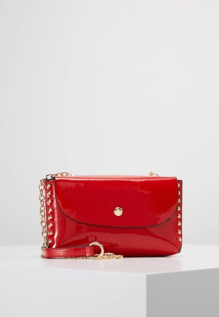 мини сумка красная лакированная