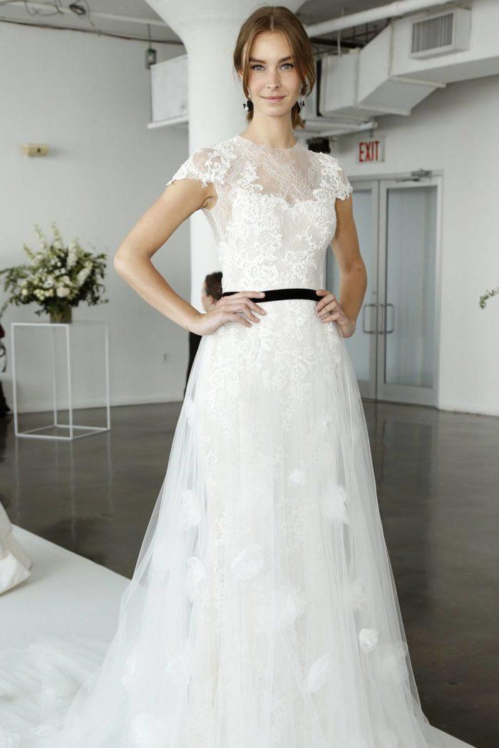 Модные свадебные платья отMarchesaвесна-лето 2019