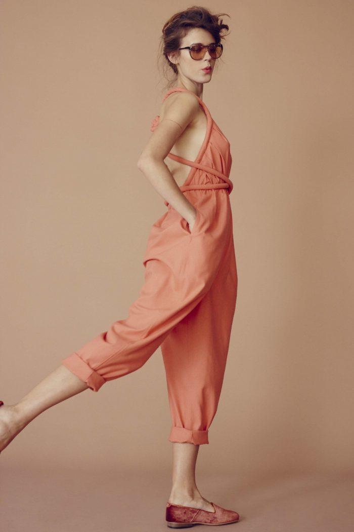 Костюм цвета персиковое эхо