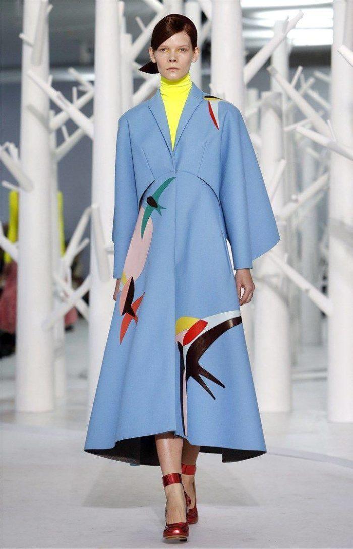 пальто цвета Серенити