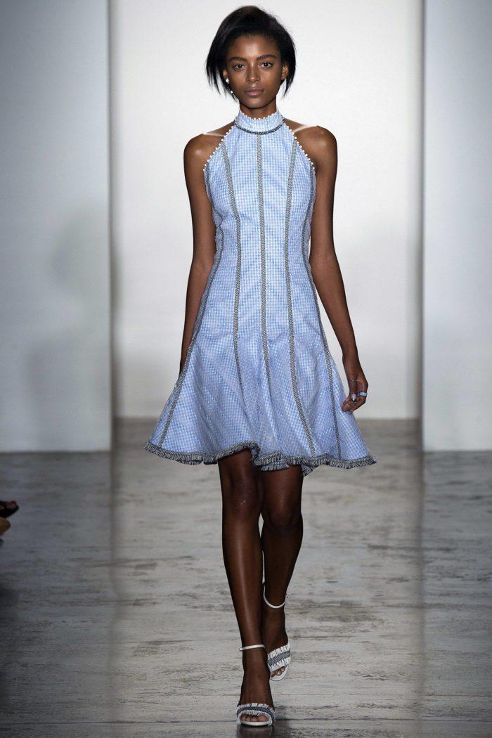 Платье цвета Серенити