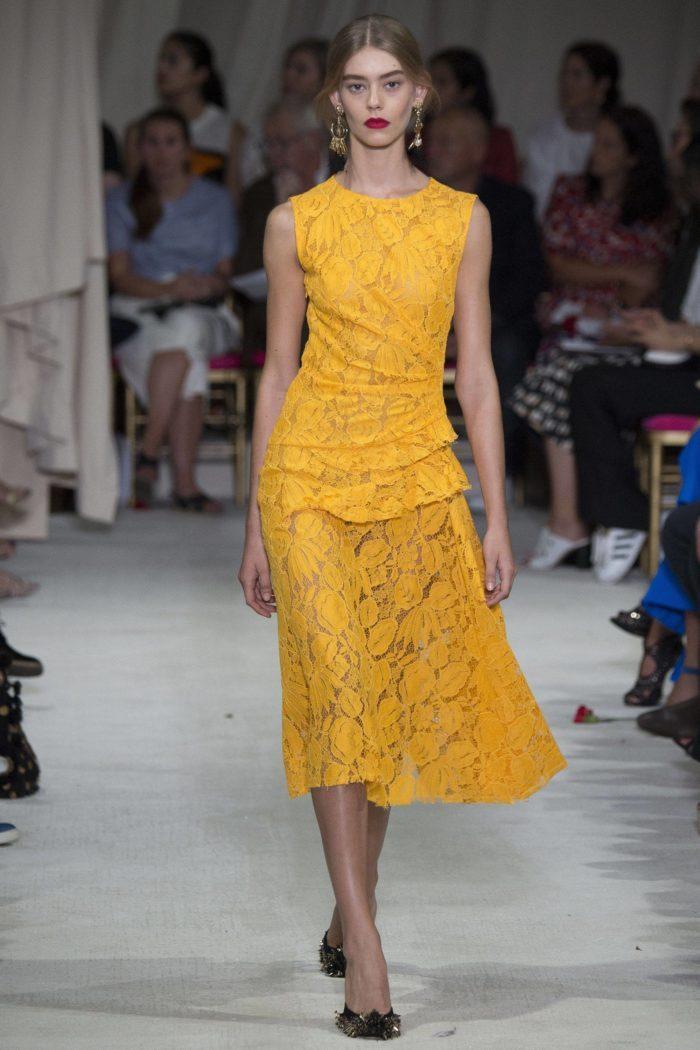 Платье цвета Лютик