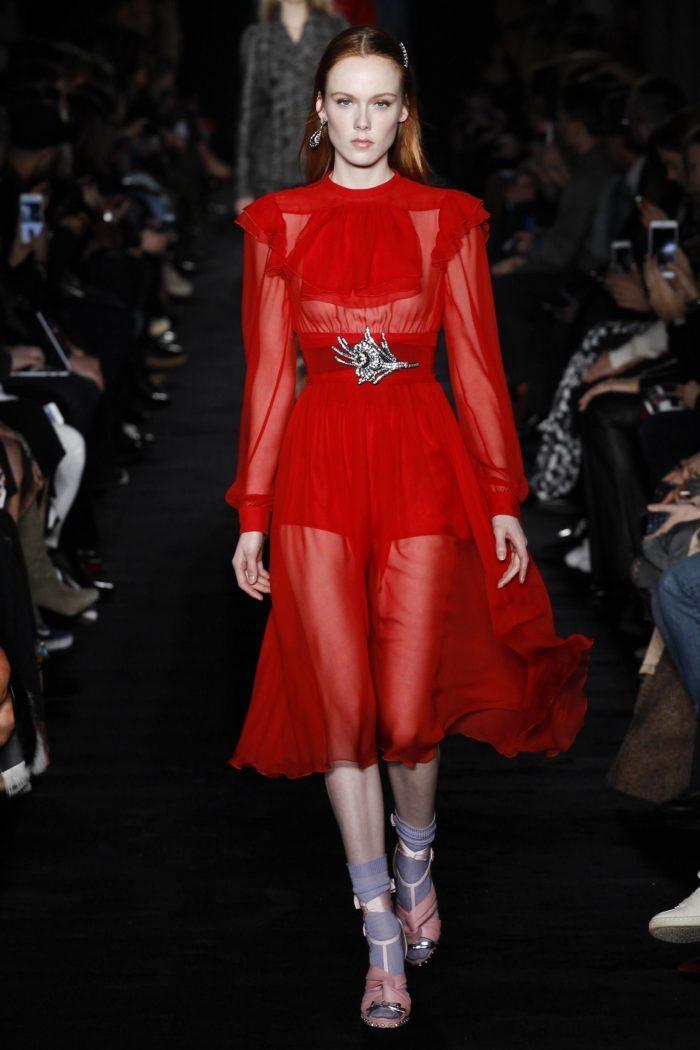 Платье цвета Праздничный красный