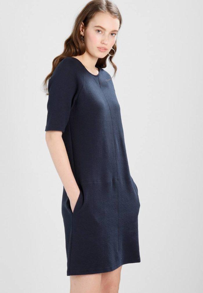 Модные туники весна-лето 2019: синяя