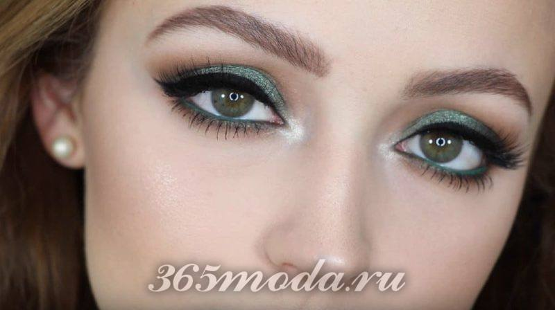 modnyj-makiyazh-dlya-zelenyh-glaz-na-vypusknoj