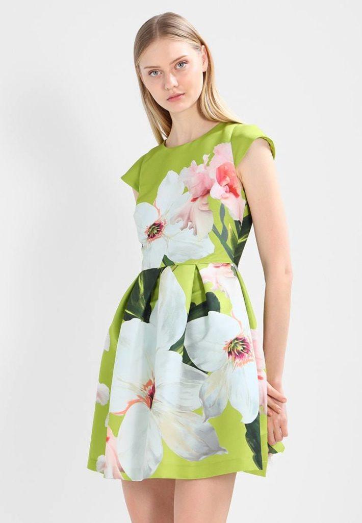 Платье цветастое
