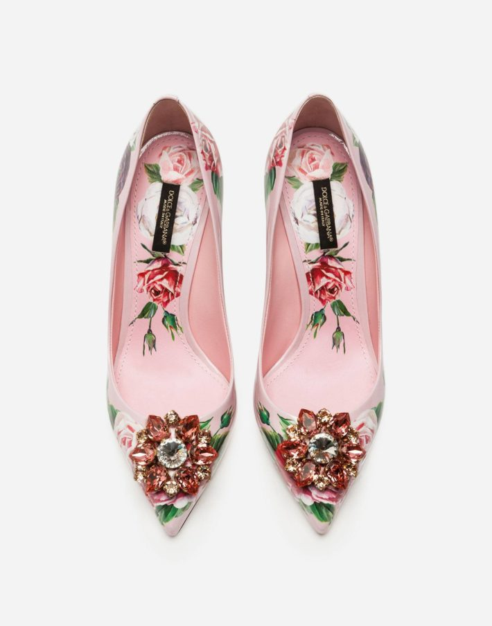 Модные туфли с декором
