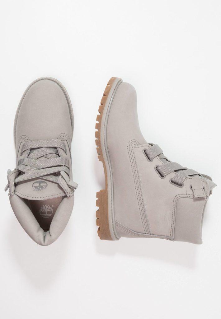 Модная обувь осень-зима 2019-2020: Ботинки женские серые