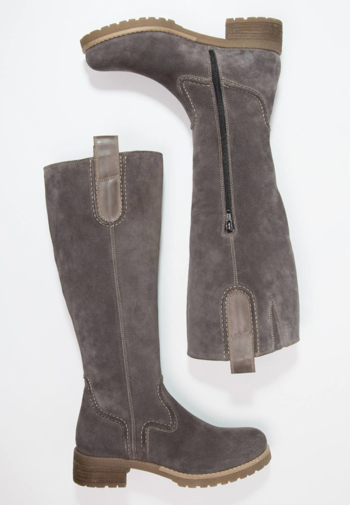 Модная обувь осень-зима 2019-2020: Сапоги женские серые