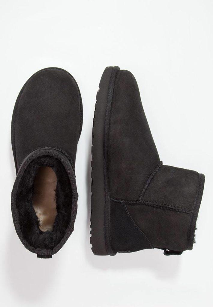 Модная обувь осень-зима 2019-2020: Угги женские черные