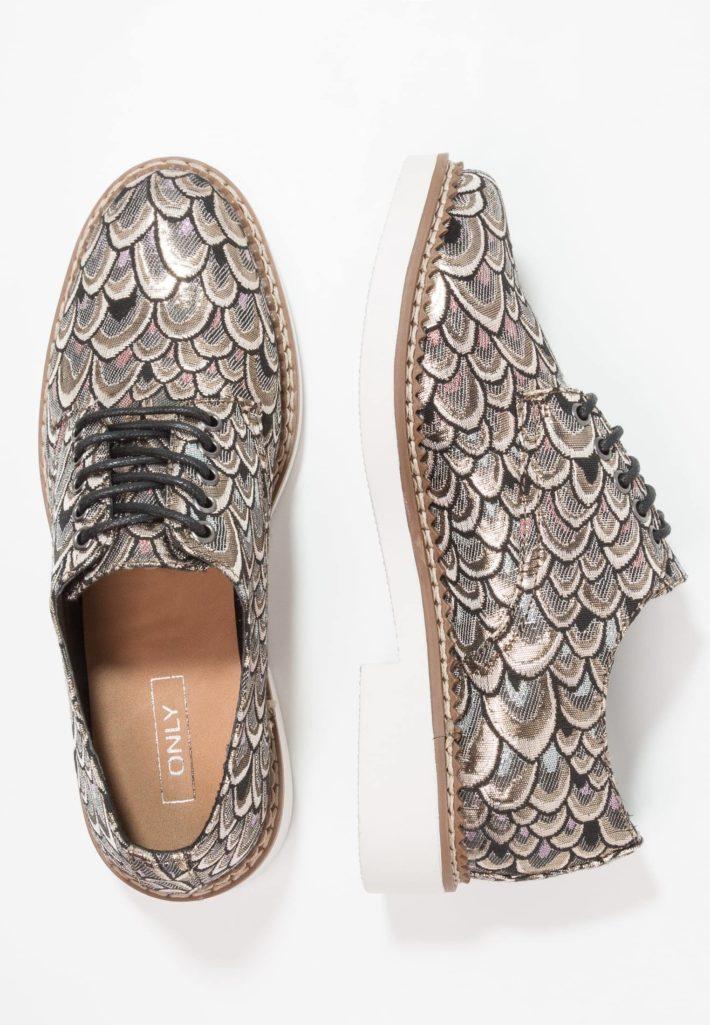 Модная обувь осень-зима 2019-2020: Женские туфли серые