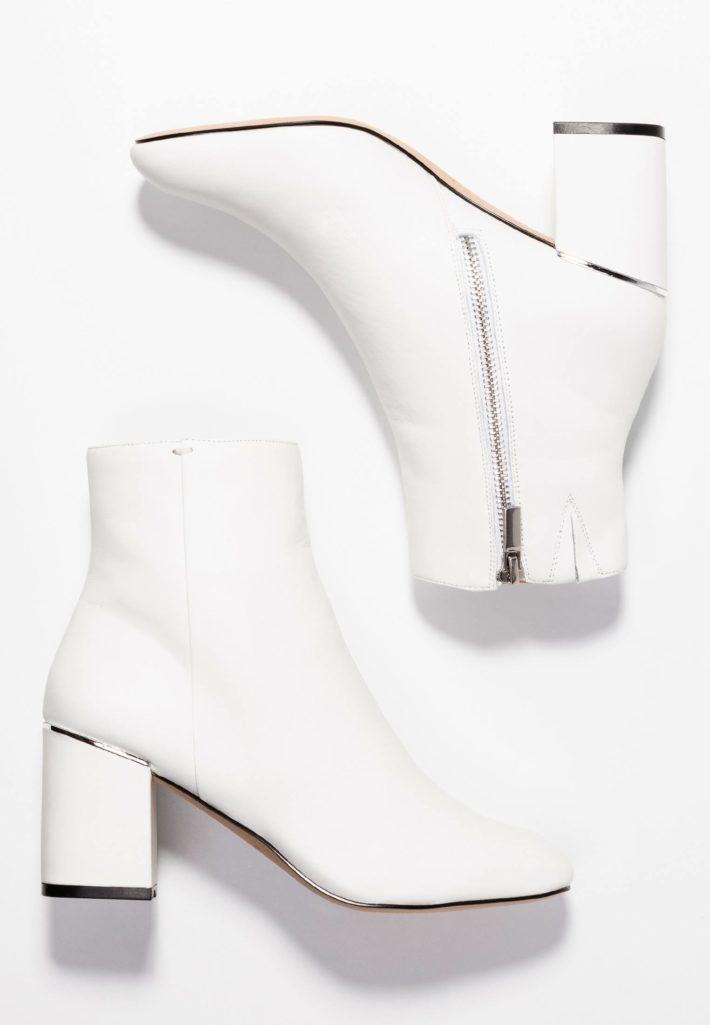 Модная обувь осень-зима 2019-2020: ботильоны белые
