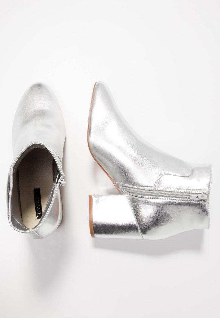 Модная обувь осень-зима 2019-2020: ботильоны серебряные