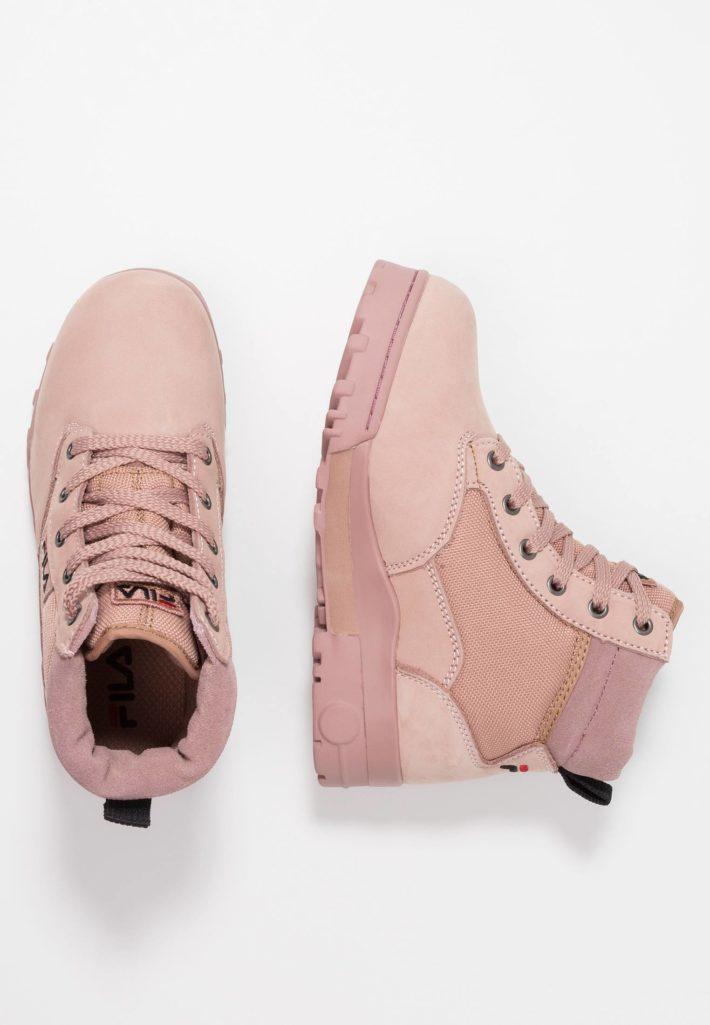 Модная обувь осень-зима 2019-2020: ботинки розовые