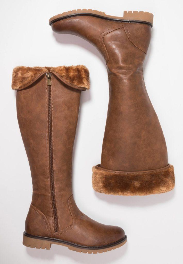 обувь осень-зима 2019-2020: сапоги коричневые