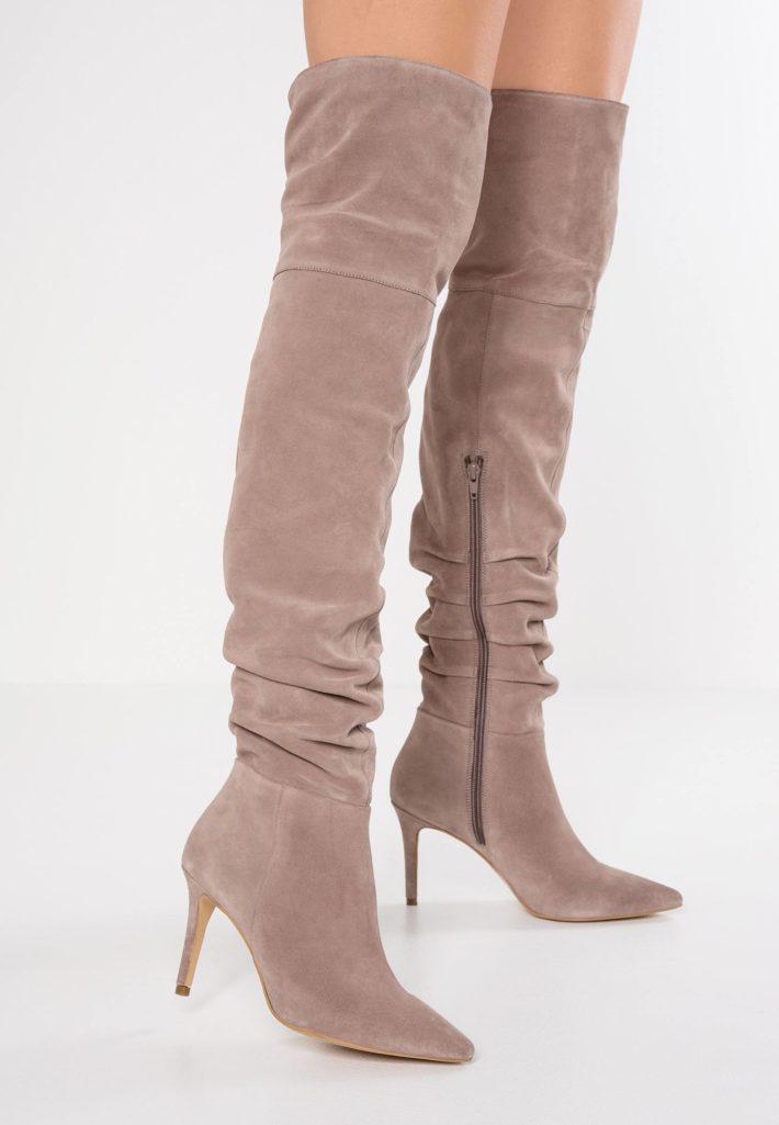 обувь осень-зима 2019-2020: ботфорты розовые