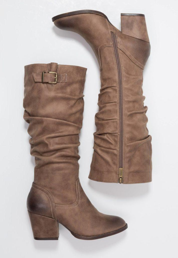 Модная обувь осень-зима 2019-2020: Сапоги женские коричневые