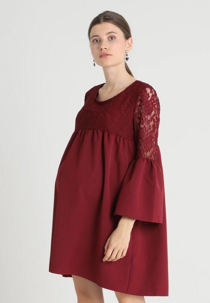 Вечерне бардовое платье для беременных
